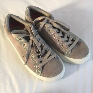 NWOT Light brown glittery sneakers